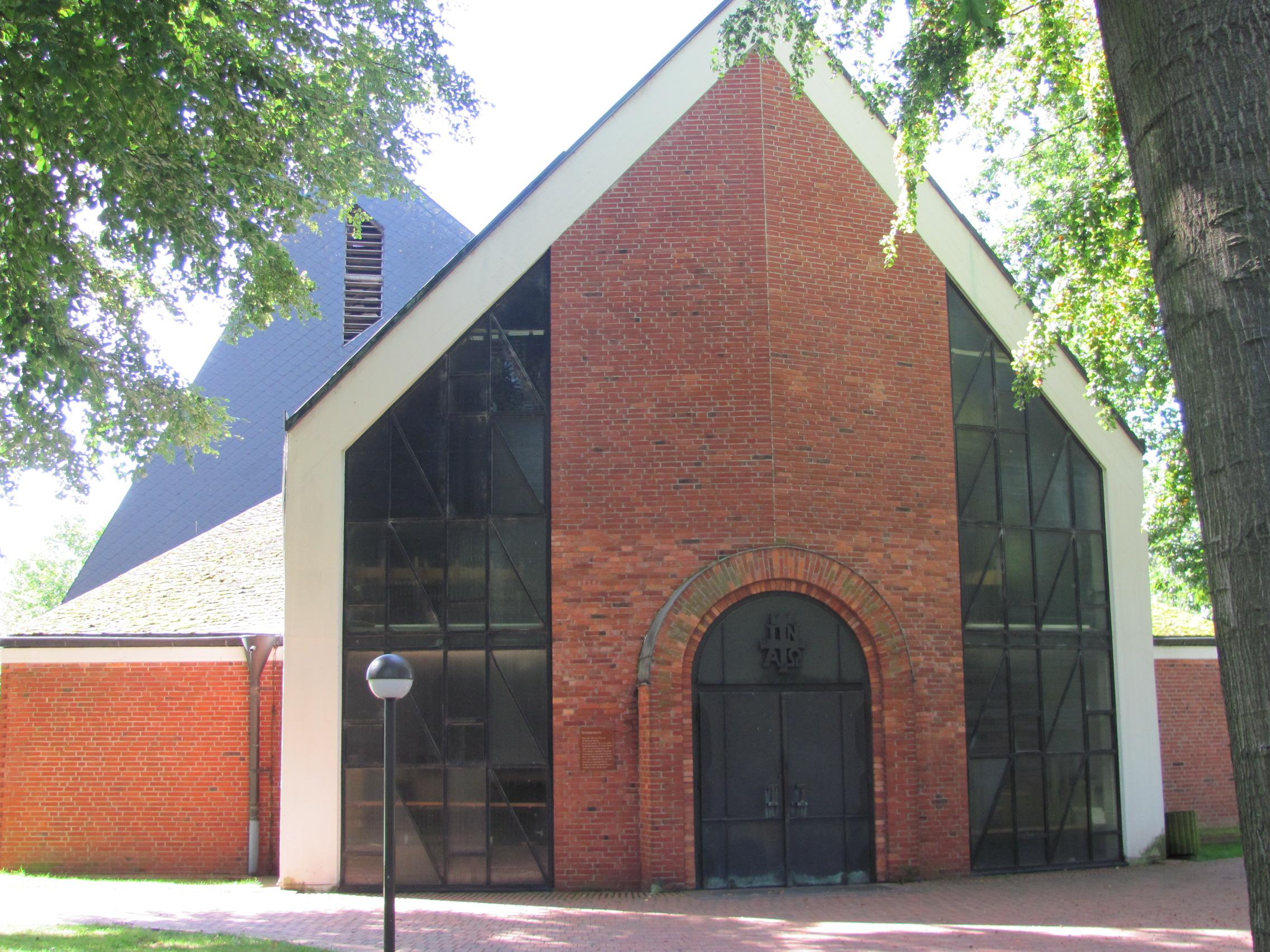 66. Kirchen-Eingang 2011