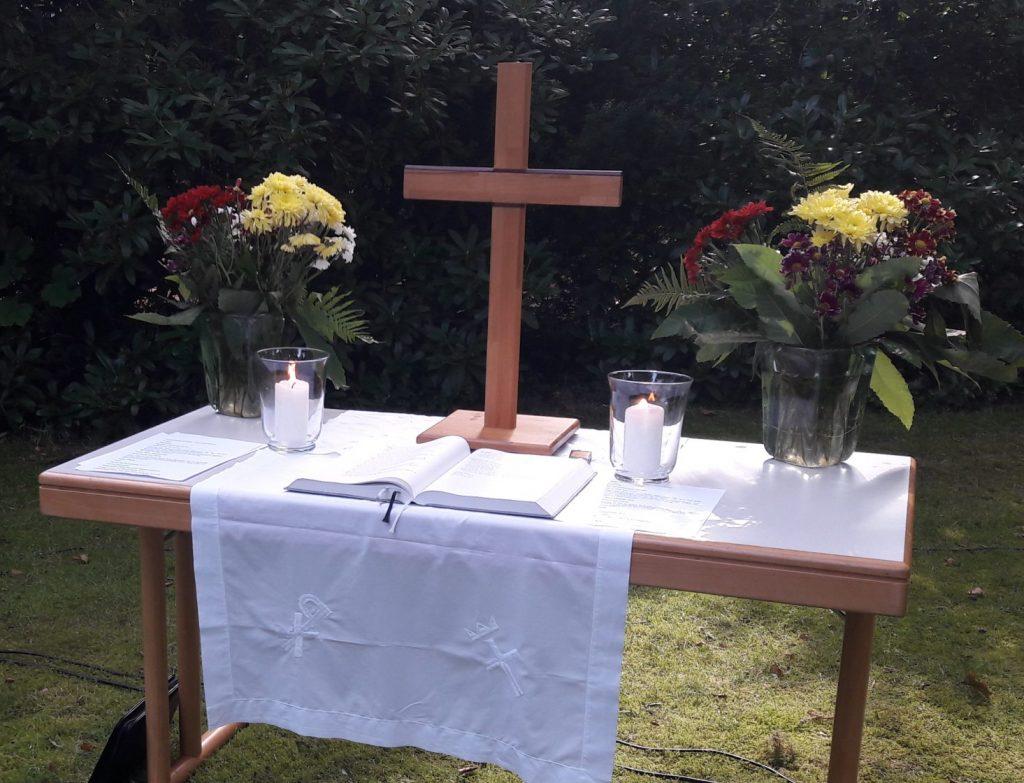 Altar Gartengottesdienst